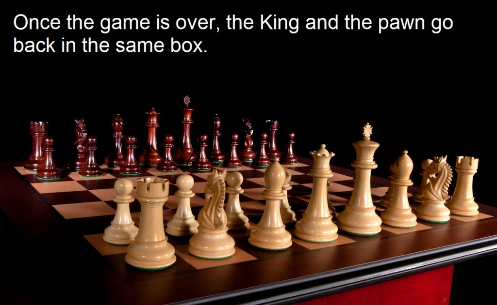 Once the game is over, the king and pawn go back in the same box